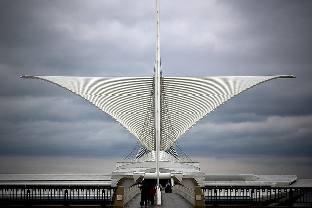 22-santiago-calatrava-milwaukee-art-museum.jpg